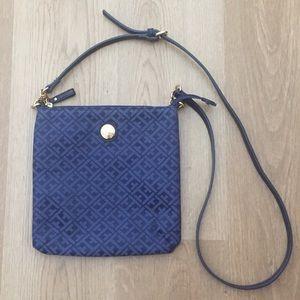 NWOT Tommy Hilfiger Navy Blue/Blue Crossbody Bag